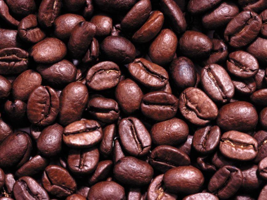 Готовые к употреблению зёрна кофе. Колумбийская арабика