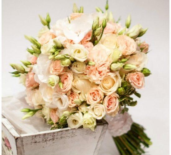 Доставка цветов. Заказываем свадебный букет